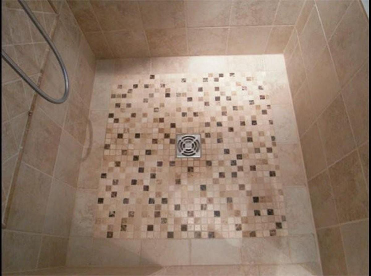 Sol de douche en mosaïque